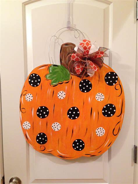 Diy-Wooden-Pumpkin-Door-Hangers