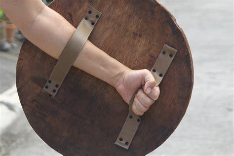 Diy-Wooden-Shield