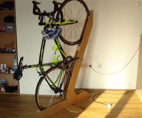 Diy-Wooden-Standing-Bike-Rack