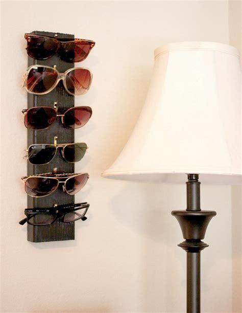 Diy-Wooden-Sunglasses-Holder