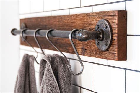 Diy-Wooden-Towel-Bar
