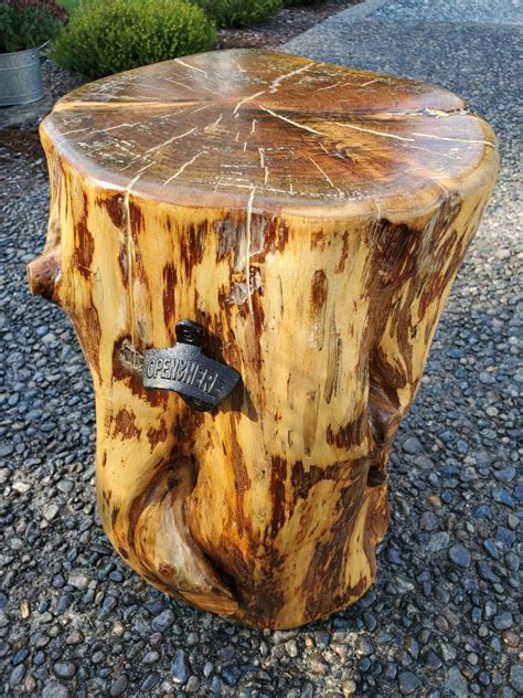 Diy-Wooden-Trunk-Table