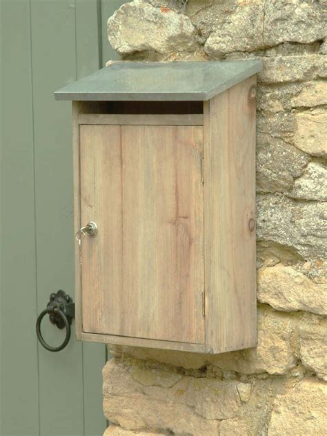 Diy-Wooden-Wall-Mount-Mailbox