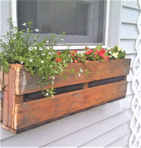 Diy-Wooden-Window-Boxes