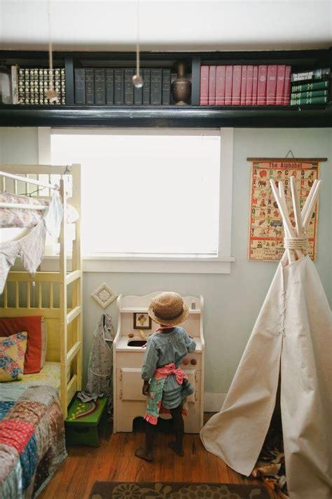 Diy-Wrap-Around-Ceiling-Shelving