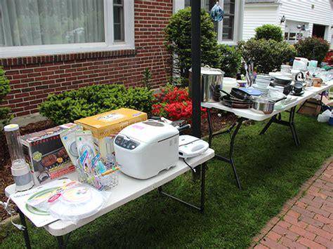 Diy-Yard-Sale-Table-Ideas