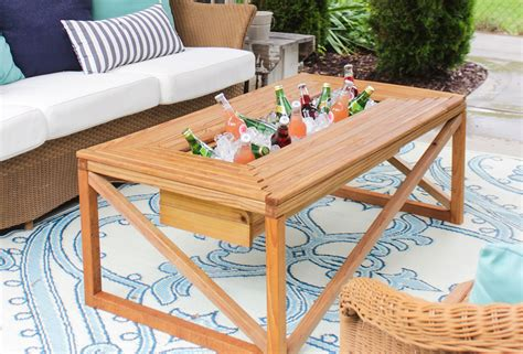 Diy-outdoor-table-with-built-in-drinks-cooler