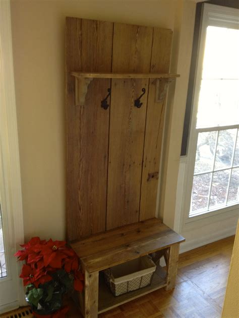 Do-It-Yourself-Hall-Tree-Plans