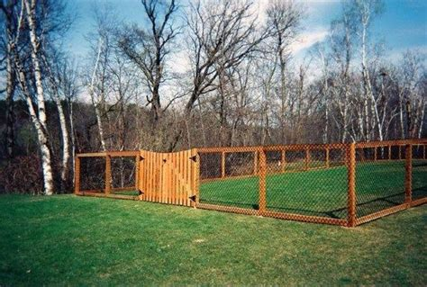 Dog-Fence-Diy-Wooden-Posts