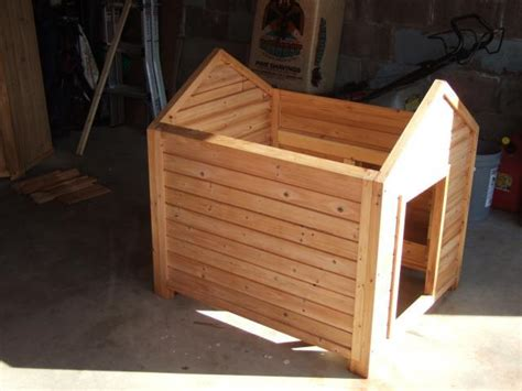 Dog-House-Plans-With-Removable-Roof
