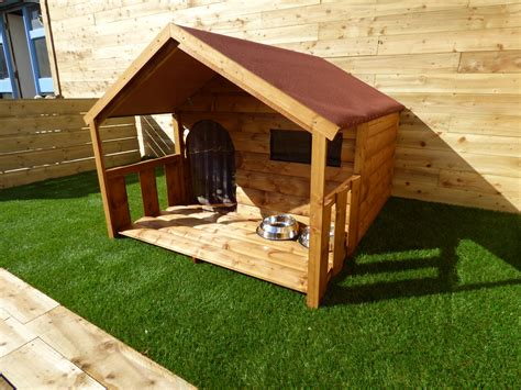 Dog-House-With-A-Porch-Plans