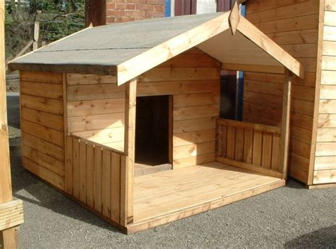 Dog-House-With-Covered-Porch-Plans