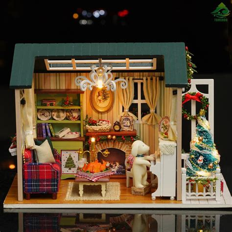 Dollhouse-Christmas-Decorations-Diy