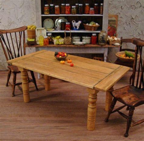 Dollhouse-Farmhouse-Table