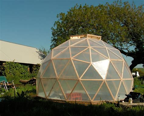 Dome-Shaped-Greenhouse-Plans