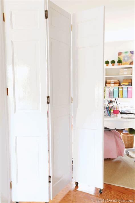 Door-Folding-Wheels-Room-Divider-Diy