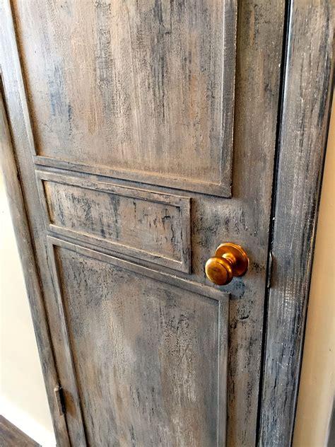 Door-Painted-To-Look-Distress-Diy