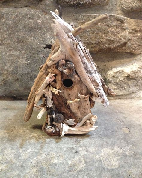 Driftwood-Birdhouse-Diy