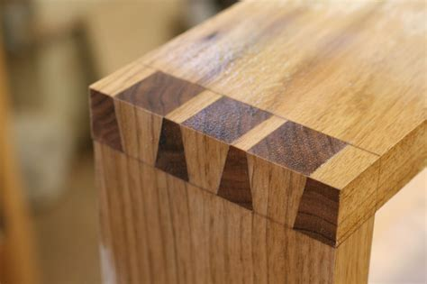 Duck-Tail-Joint-Woodworking