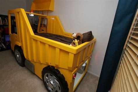 Dump-Truck-Toddler-Bed-Plans