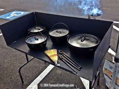 Dutch-Oven-Cooking-Table-Plans