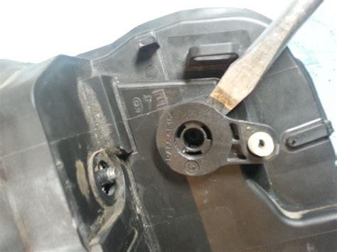 E46-Door-Lock-Actuator-Diy