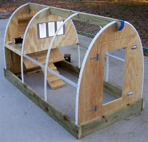 Easiest-Chicken-Coop-Diy