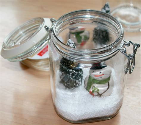 Easy Christmas Table Favors