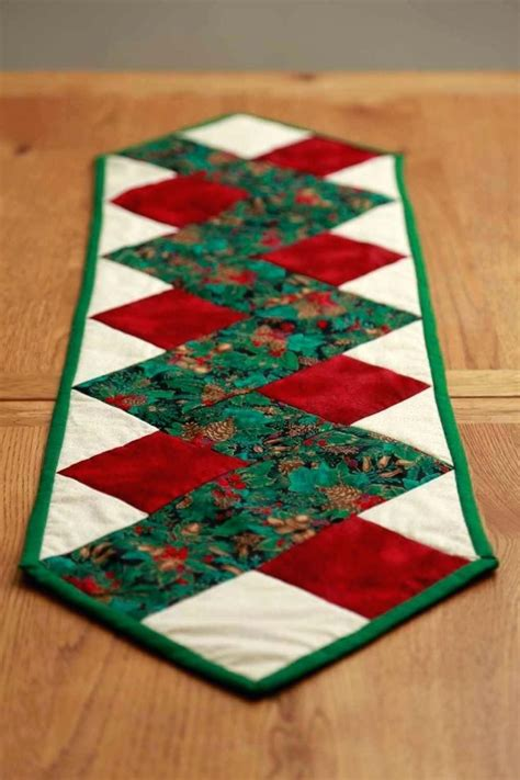 Easy Christmas Table Runner