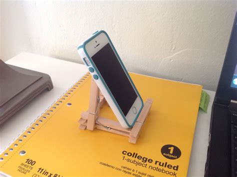 Easy DIY Iphone Stand