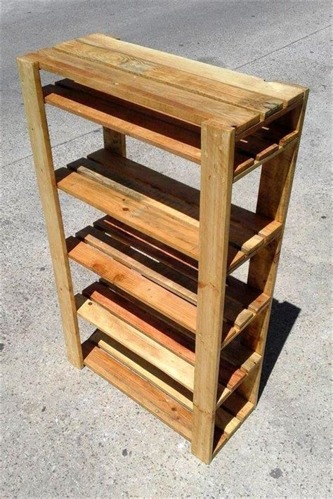 Easy DIY Pallet Shoe Rack