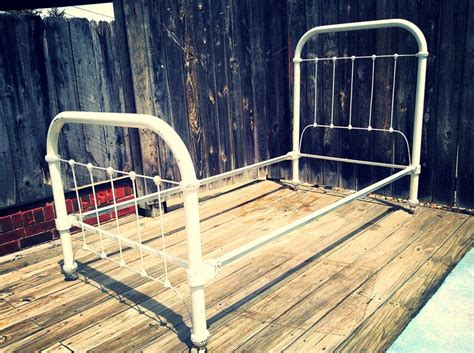 Easy Diy Bed Frame Old Iron Bed