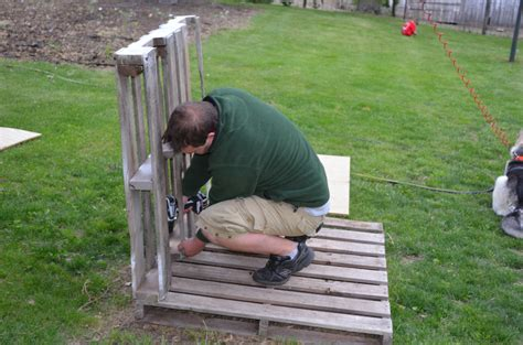 Easy Diy Dog House Out Of Scrap Wood