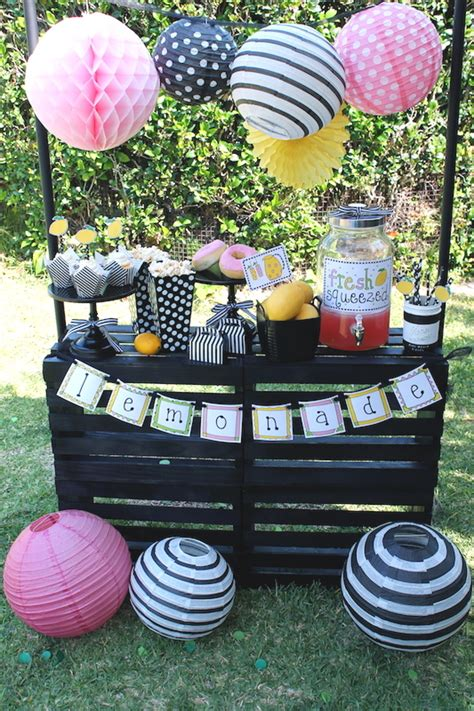 Easy Lemonade Stand Ideas