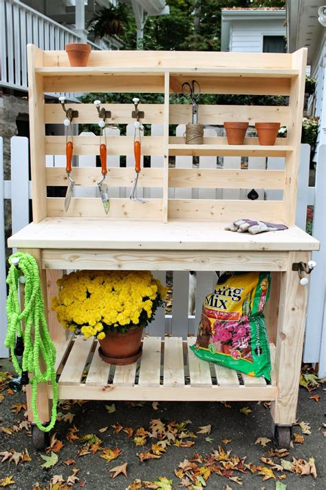 Easy Potting Bench Plans