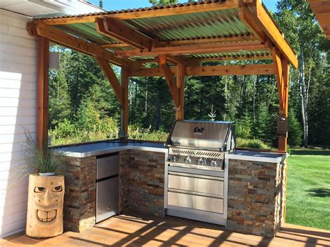 Easy Small Outdoor Kitchen Ideas
