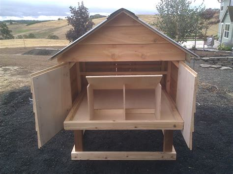 Easy-Clean-Chicken-Coop-Plans