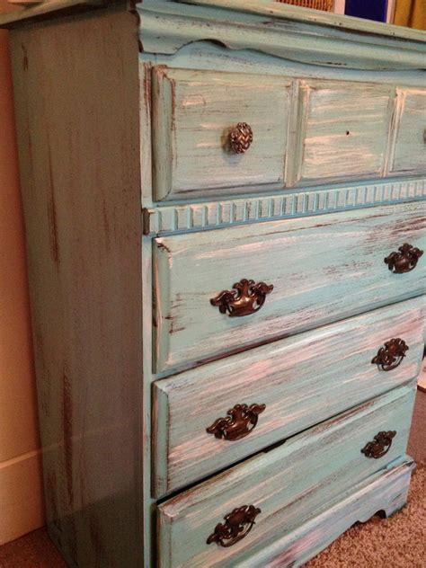 Easy-Diy-Distressed-Furniture