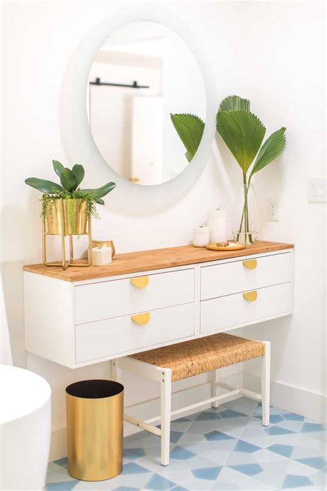 Easy-Diy-Dressing-Table