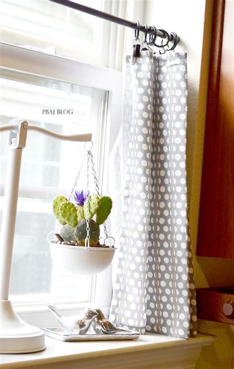 Easy-Diy-Kitchen-Curtains
