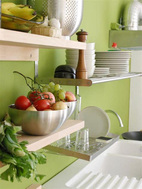 Easy-Diy-Kitchen-Shelves
