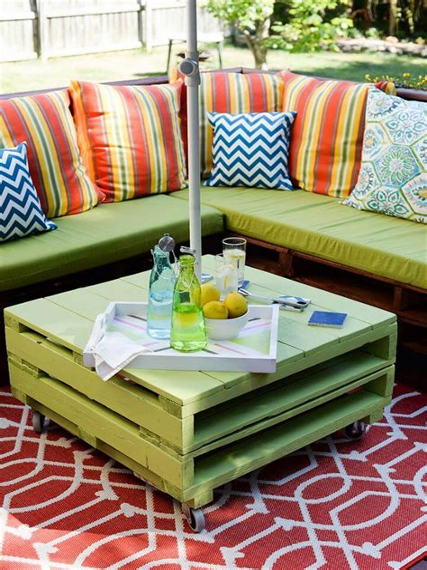 Easy-Diy-Pallet-Dresser