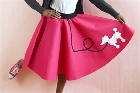 Easy-Diy-Poodle-Skirt