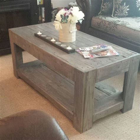 Easy-Pallet-Coffee-Table-Plans