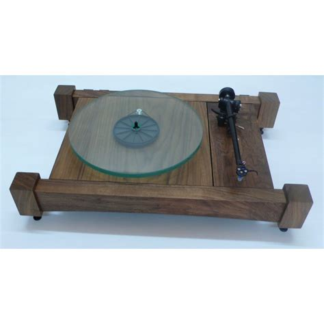Easy-To-Turn-Turntable-Woodworking