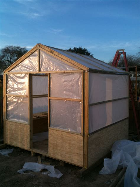 Easy-Wood-Greenhouse-Plans