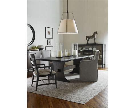 Ellen-Degeneres-Farmhouse-Table