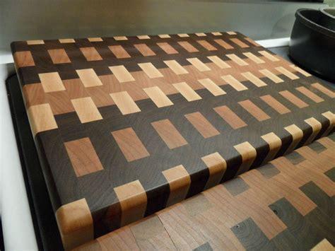 End-Grain-Cutting-Board-Fine-Woodworking