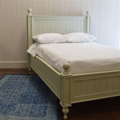 English-Farmhouse-Beds