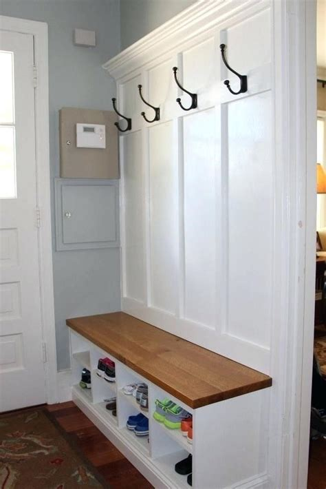 Entryway Bench With Hooks DIY